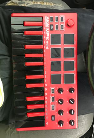 Akai professional MPK Mini keyboard for Sale in Atlanta, GA