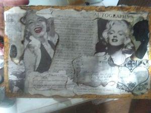 Small Marilyn Monroe shelf for Sale in Starkville, MS