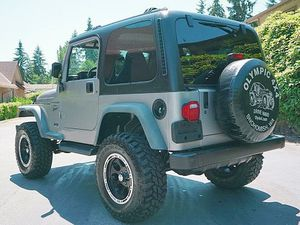Delayed Accessory Power Jeep Wrangler 2001 for Sale in New Orleans, LA