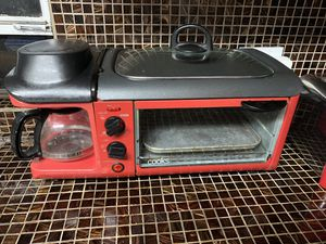 Toaster , Griddle, coffee maker 3 in 1 for Sale in Miami, FL