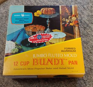 12 Cup Jumbo Flutes Mold Bundt Pan for Sale in Graham, NC