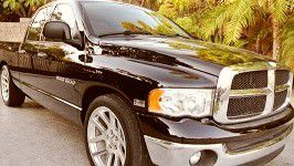 Cloth seats 2005 DODGE RAM Rear camera for Sale in Columbus, GA