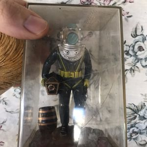 New Ocean Diver Fish Tank Ornament for Sale in CA, US