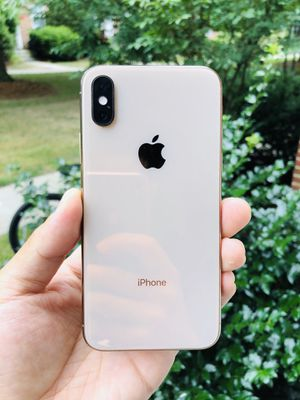 iPhone XS Gold - Unlocked for Sale in Newton, MA