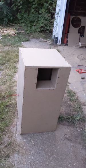 """15"""" subwoofer box for Sale in Northwood, OH"""