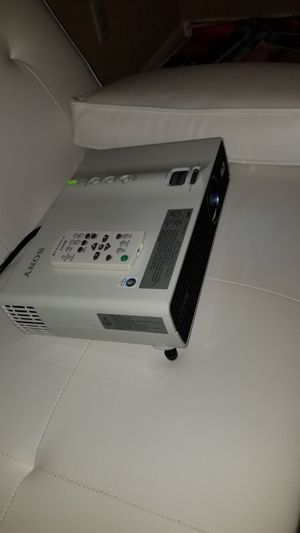 Sony X ga vpl-dx15 projector for Sale in Jacksonville, AR