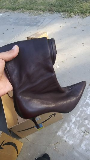 Gucci boots 163369 size 8 and 1/2 B for Sale in Antioch, CA