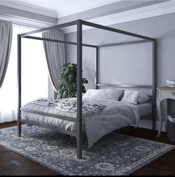 Queen Size Canopy Bed for Sale in Washington,  DC