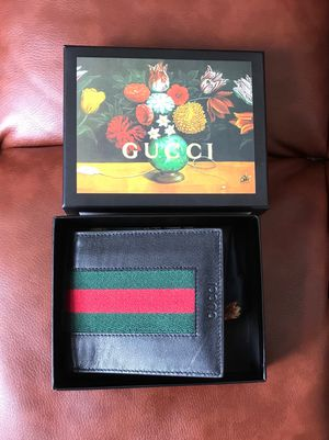 Gucci wallet GR for Sale in Beverly Hills, CA