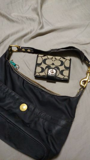 Coach bag and wallet for Sale in Honolulu, HI