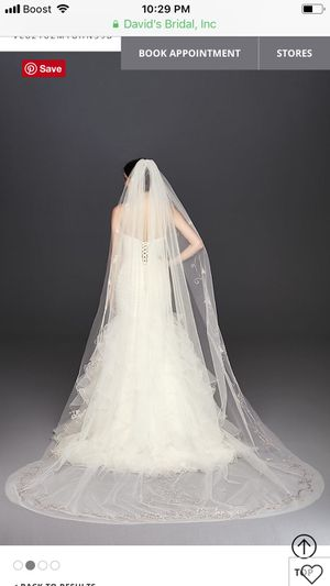 Ivory cathedral filigree veil for Sale in Waukegan, IL