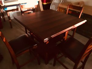 Nice Dinning Table & Chairs for Sale in Fresno, CA