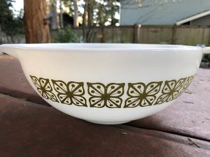 Large Pyrex Mixing Bowl for Sale in Kent, WA