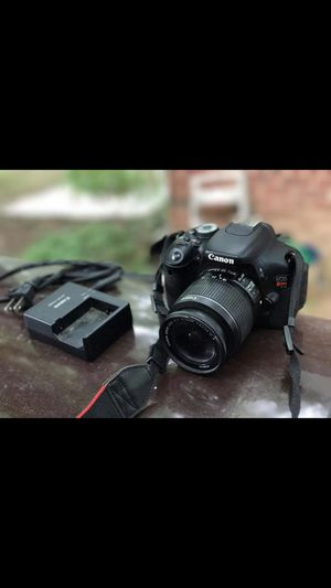 Canon camera T3i good condition for Sale in Silver Spring, MD