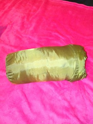 Green Sleeping Bag (new...$5.00) for Sale in Colton, CA