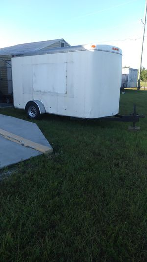 6x12 ENCLOSED TRAILER for Sale in Fort Myers, FL