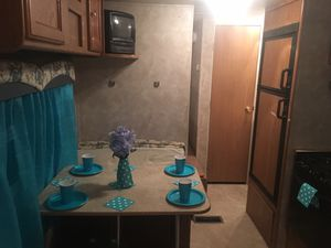 2006 28' Springdale by Keystone travel trailer fully self-contained good condition must see no smoking no pets elderly on for Sale in Wylie, TX