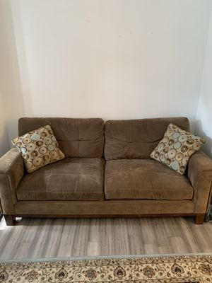 2 piece couch for Sale in Baltimore, MD