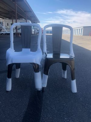 2- Metal Designer Chairs for Sale in Rancho Linch, MX