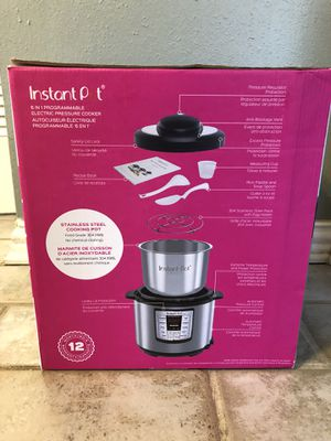 Instant pot 6 in 1 programable 6 quart for Sale in Sugar Land, TX