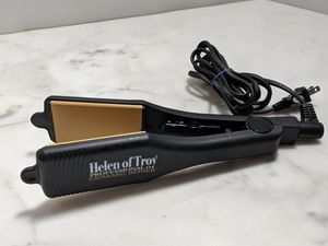 Helen of Troy Professional Ceramic Series Flat Iron Hair Straightener for Sale in Tampa, FL