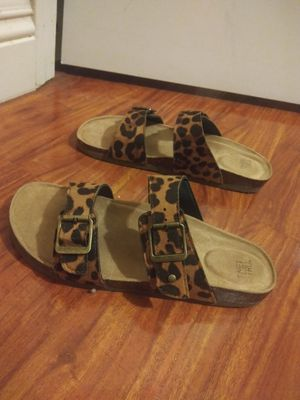 Size 9 sandals 3 pairs for Sale in Las Vegas, NV