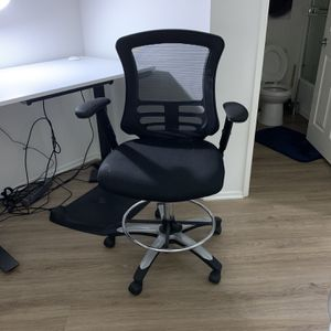 Mesh Backed Office Chair for Sale in Culver City, CA