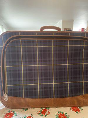 Vintage plaid suitcase for Sale in Alexandria, VA