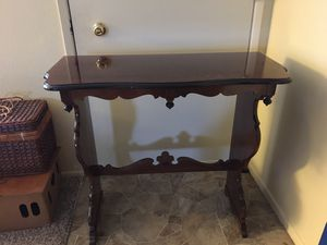 Accent entry table for Sale in West Linn, OR