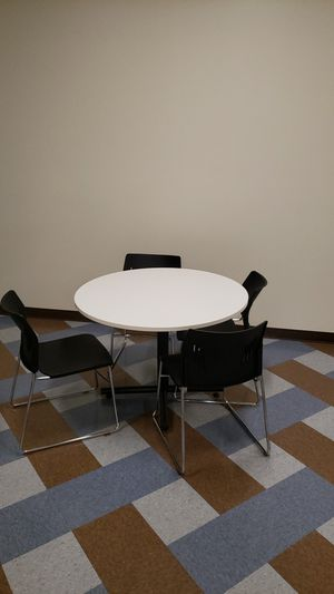 Small kitchen table for Sale in Alameda, CA