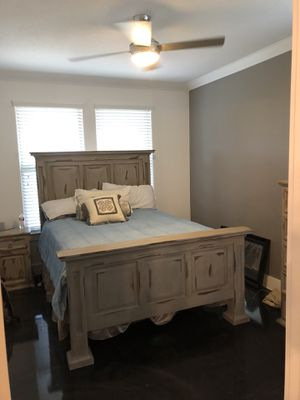 Antique gray solid wood bedroom suit for Sale in Frisco, TX