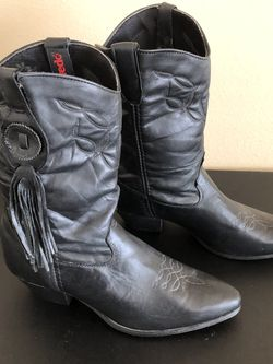 NEW Women's Laredo Boots Sz 9 1/2 for Sale in Hemet,  CA