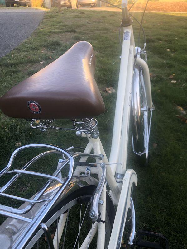 Schwinn women's cruiser hybrid bike / Schwinn cruiser