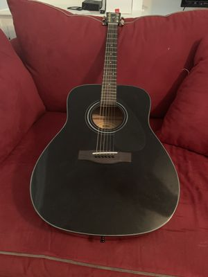 Yamaha F335 Acoustic Guitar for Sale in Duluth, GA