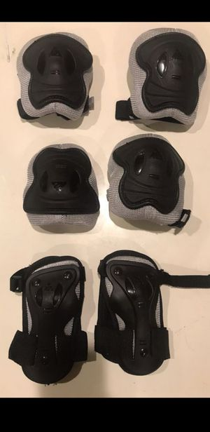 JUNIOR SIZED PROTECTIVE GEAR (BRAND NEW) for Sale in Irvine, CA