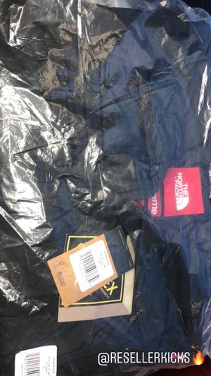 Supreme North Face Jacket with vest for Sale in Los Angeles, CA