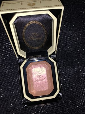 Too Faced Diamond Light Highlighter for Sale in MENTOR ON THE, OH