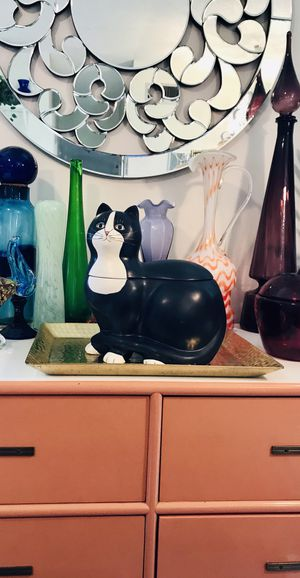 LARGE CERAMIC BLACK WHITE CHUBBY CAT FIGURE COOKIE JAR STORAGE DECOR COLLECTIBLE SAKURA WAREN KIMBLE CAT STATUE for Sale in Boca Raton, FL