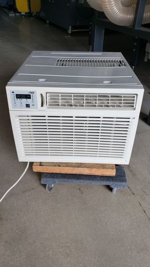 Arctic king 15100 btu window ac new for Sale in Miami, FL