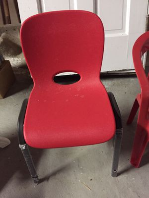 Costco plastic red kids children chair, like-new, legs still in plastic for Sale in Cleveland, OH