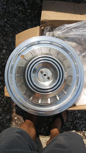 RV hubcaps for Sale in Alafaya, FL