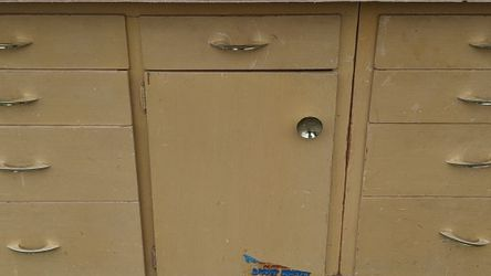 FREE workbench w/ cabinet and drawers for Sale in Lynnwood,  WA