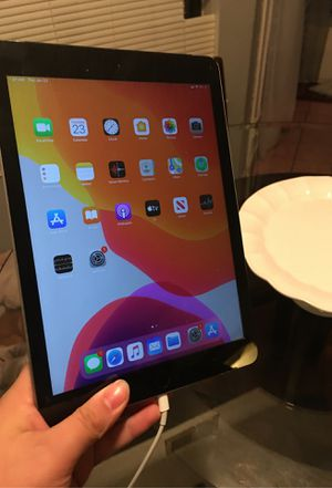 Apple iPad works perfect for Sale in Alexandria, VA
