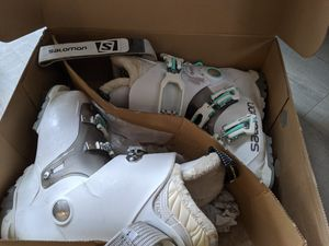 Salomon Ski Boots - woman's 23.5 for Sale in Bellevue, WA