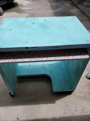 Small desk for Sale in Huntington Beach, CA