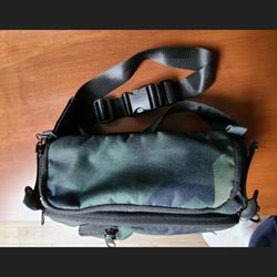 Hex Camera Sling Bag for Sale in Tempe,  AZ