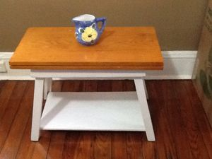 Coffee table or end table for Sale in Annapolis, MD