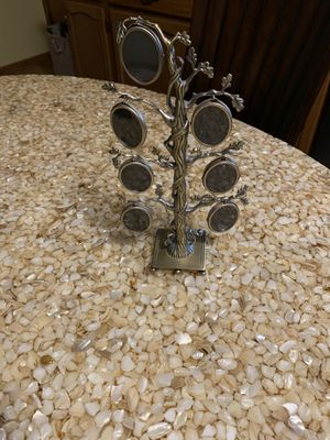Photo Tree for Sale in Palos Hills, IL