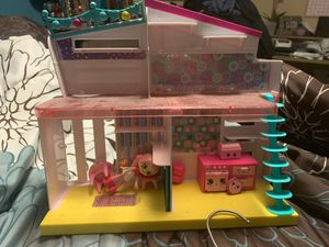 Shopkins house with some furniture and doll for Sale in Orlando, FL