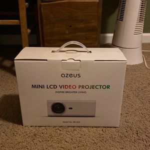Projector for Sale in Terrebonne, OR